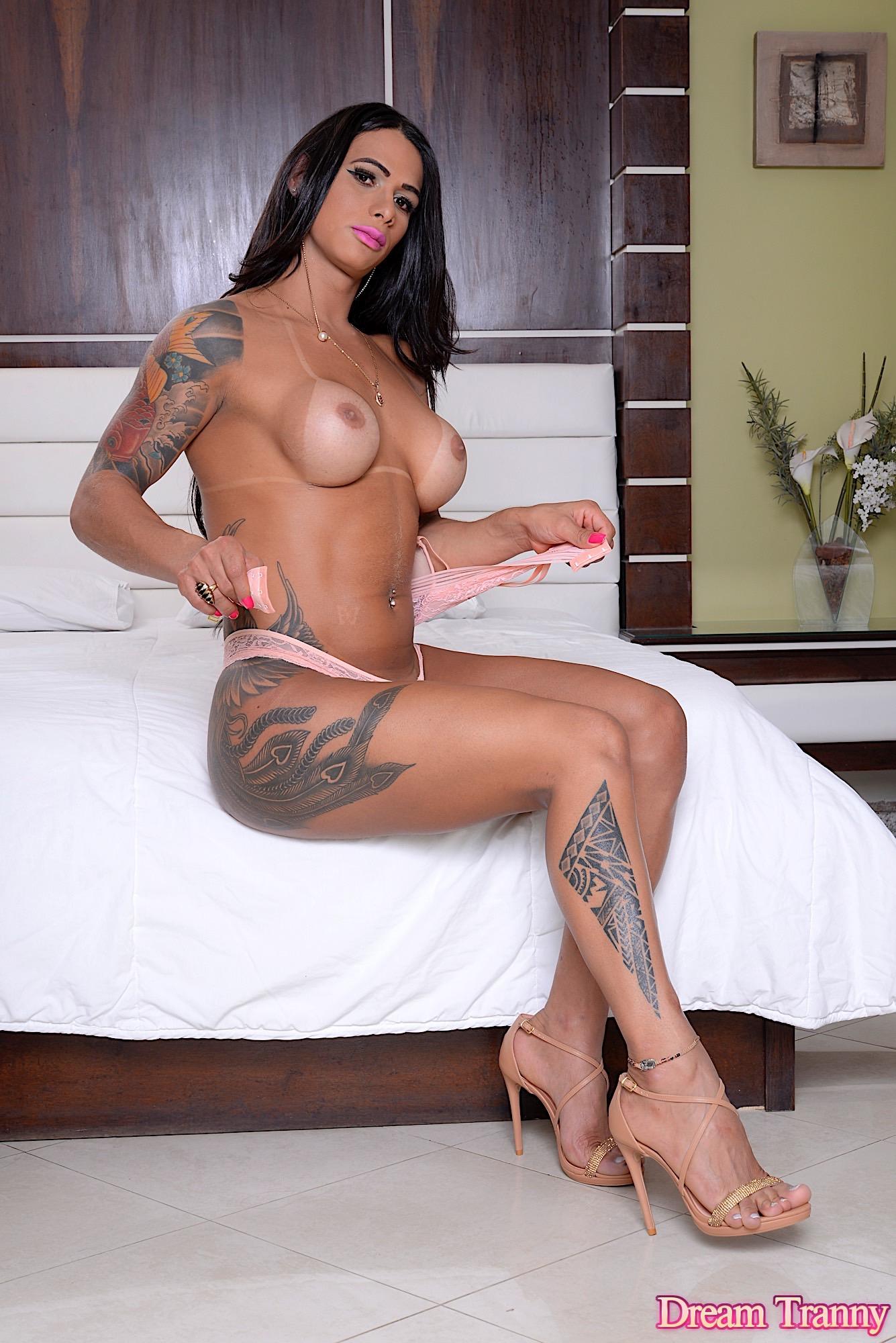Naked tranny